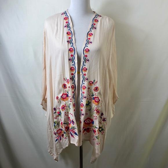 M//L NWT Umgee Beige Ruffle /& Lace Bell Sleeve Kimono S//M